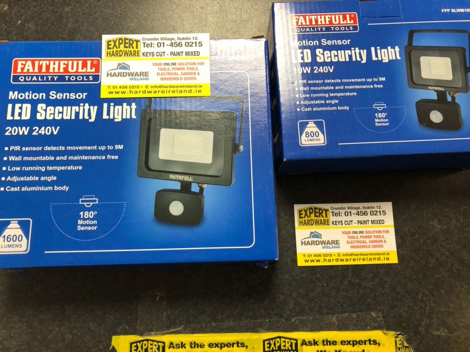 FPPSLWM10S Security Light with PIR 10W or 20w  800 Lumen 240V