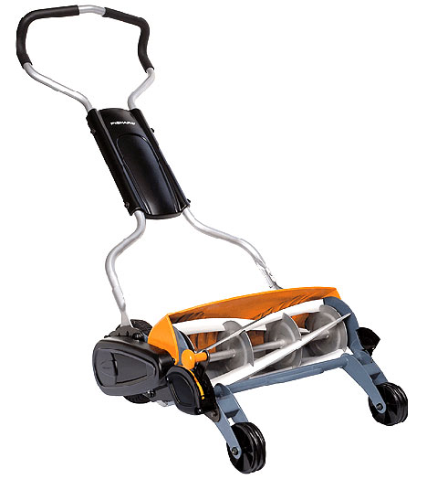 Fiskars Momentum Lawnmower