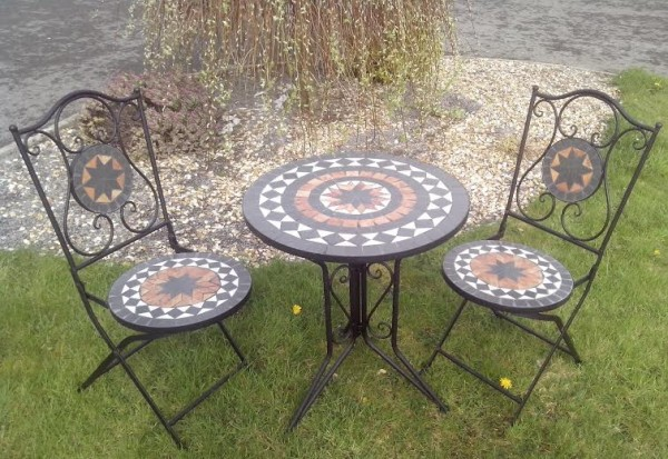 Kingfisher Mosaic Patio Table 2 Chairs